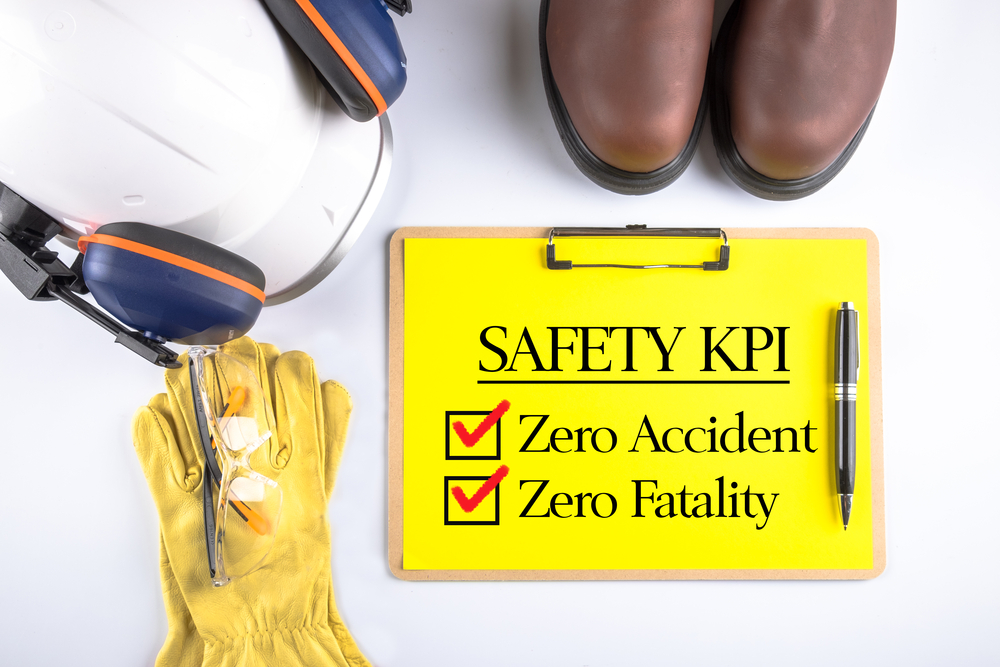 How should safety performance be measured?